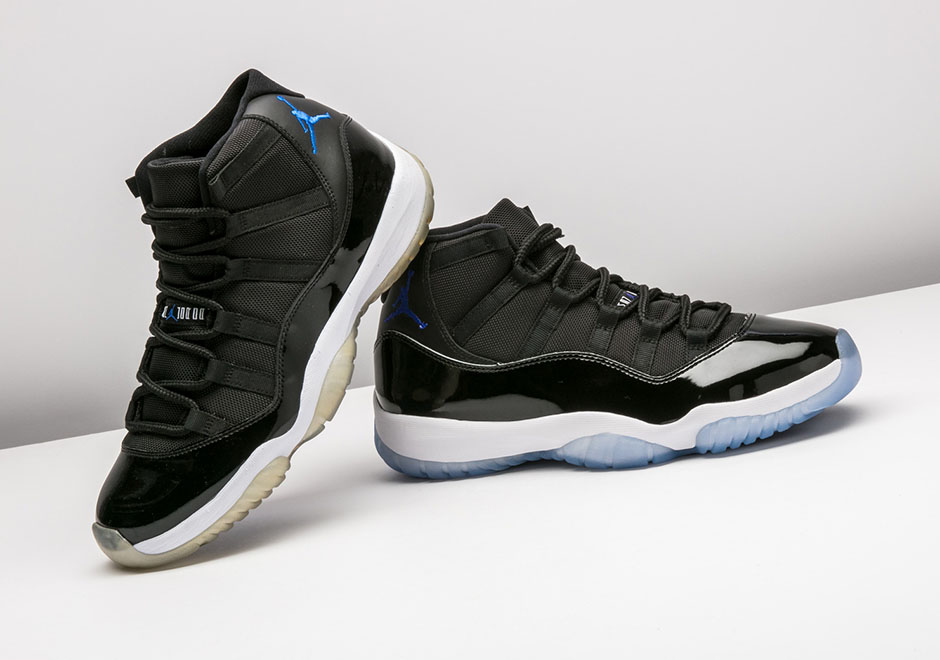 "ecab84427a96e2 Comparing 2009 vs. 2016 Air Jordan 11 ""Space Jam"" – article directory"